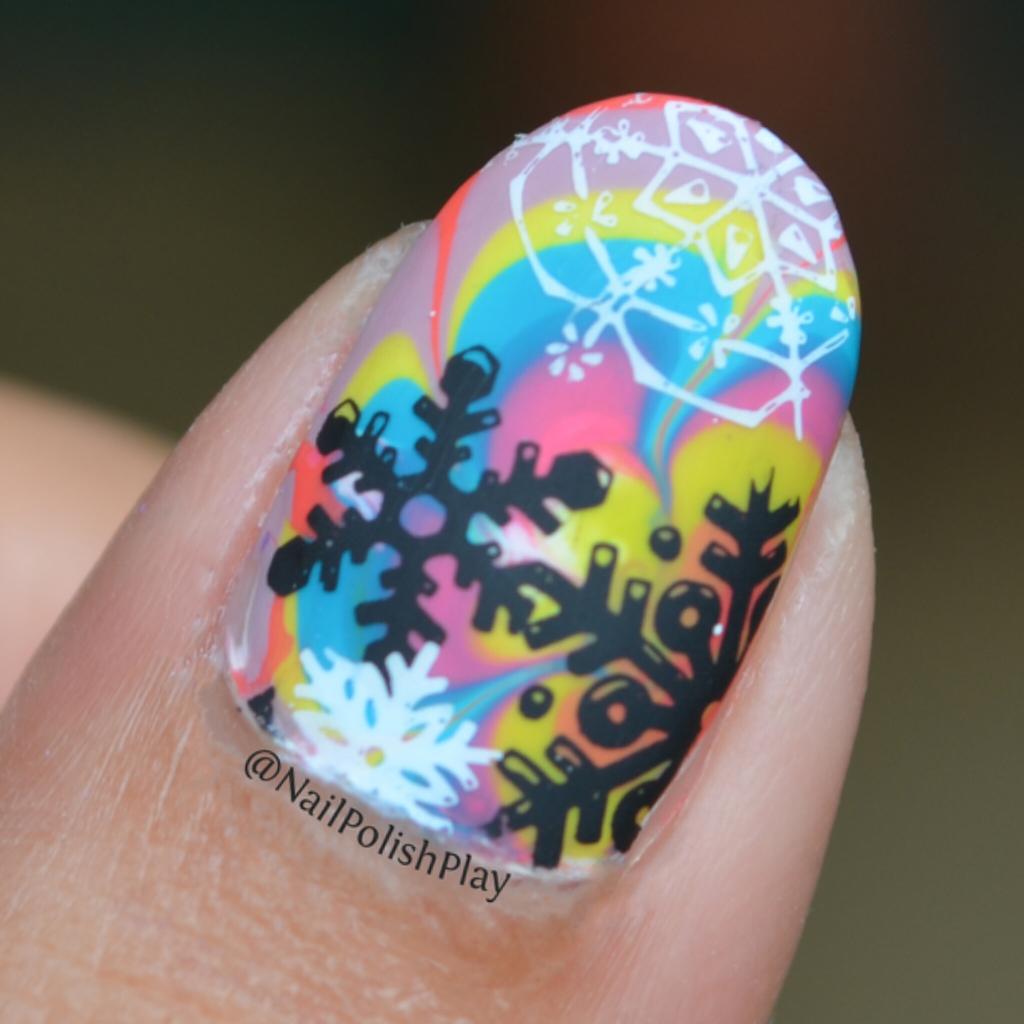WM_Glossy_Shade_Snowflakes_Thumb_Closeup